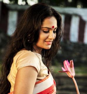 Actress-Lakshmi-Priyaa-14
