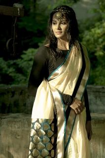 Actress-Lakshmi-Priyaa-20