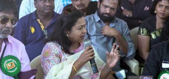 கர்நாடகா கலைஞர்களிடம் இருக்கும் ஒற்றுமை நம்மிடம் இல்லை – ராதிகா